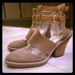 Kenneth Cole kit n katch taupe western boho sandal
